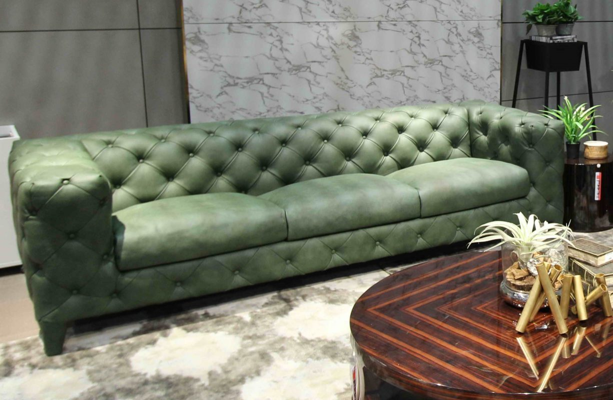 Model Chesterfield Leather Sofa